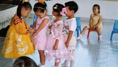 Ti-tinet фото и видео с юными моделями и девочками-гимнастками